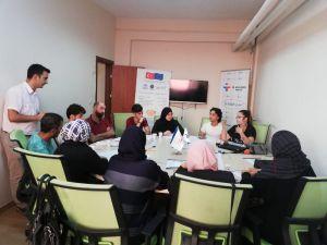 Mersin'deki Suriyelilere İş Arama Becerileri Eğitimi