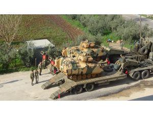 Suriye Sınırına Tank Sevkıyatı Sürüyor