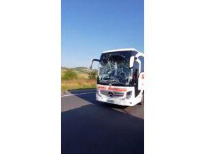 Camı Kırık Otobüsün Tehlikeli Yolculuğu