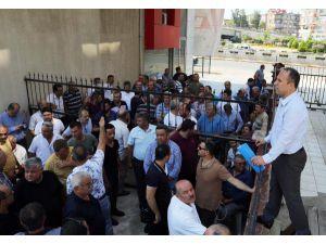Otobüsçüler Alacakları İçin Büyükşehir'e Yürüdü