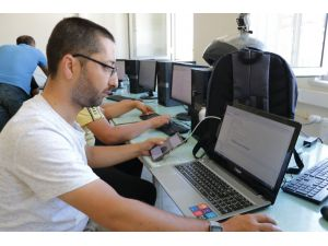 Kahramanmaraş'ta Mobil Uygulama Yazılım Kursu Açıldı