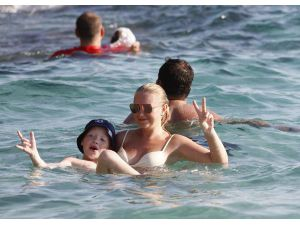 Turizmcilerden 'Rezervasyonsuz Tatile Çıkmayın' Uyarısı