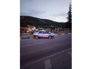Otomobiller Kavşakta Çarpıştı: 1'i Ağır 5 Yaralı