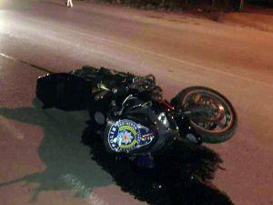 'Dur' İhtarına Uymayan Sürücü, Kaçarken Motosikletli Polise Çarptı