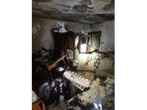 Yangın Çıkan Evdeki Kadını İtfaiye Kurtardı