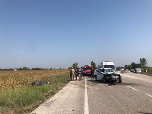 Osmaniye'de Otomobiller Çarpıştı: 1 Ölü, 3 Yaralı