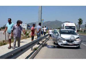 Gazipaşa'da Otomobiller Çarpıştı: 5 Yaralı