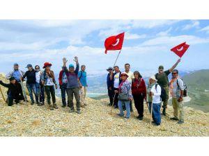 Gömbe Doğa Gönüllüleri Zirve Yaptı