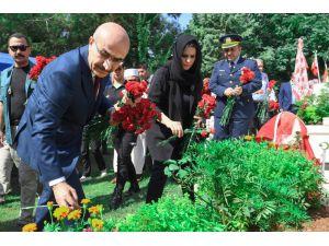 Vali Demirtaş'tan Bayram Ziyaretleri