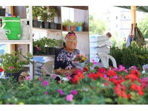 Mezitli'ye Çiçek Pazarı