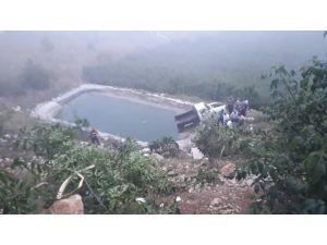 Kamyonet Sulama Havuzuna Düştü