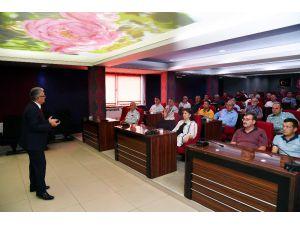 Isparta Belediyesi'nden Muhtarlara Deprem Eğitimi