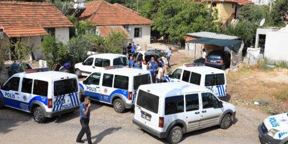 Antalya'da İki Grup, Hastane Önünde Birbirine Ateş Açtı