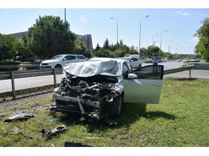 Otomobil Refüje Çıktı, Sürücünün Eşi Gözyaşı Döktü
