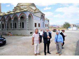 Isparta Belediyesi'nden Tabakhane Camii'ne Çevre Düzenlemesi