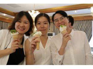 Çinliler Mado'yu Gezdi