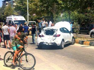 Ambulansla Çarpışan Otomobil Devrildi: 1 Yaralı