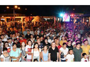 Kırgızlar 'Bağımsızlık Günü'nü Kutladı