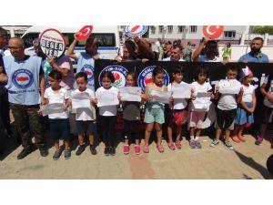 Mersin'de Velinin Okul Saldırısı Protesto Edildi, Öğrenciler Destek Verdi