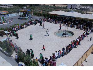 Afrin'de Yetim Çocuklar İçin Şenlik Düzenlendi
