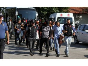 Polis Tek Tek 13 Adresten Topladı, Uyuşturucu Operasyonunda 19 Kişi Gözaltına Alındı