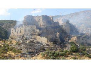 Bakras Kalesi'nde Çıkan Yangına Havadan Müdahale