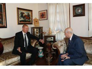 Cumhurbaşkanı Recep Tayyip Erdoğan, Üst Solunum Yolu Rahatsızlığı Geçiren Mhp Lideri Devlet Bahçeli'ye Beytepe Mahallesi'nde Bulunan Evinde Geçmiş Olsun Ziyaretinde Bulunuyor.