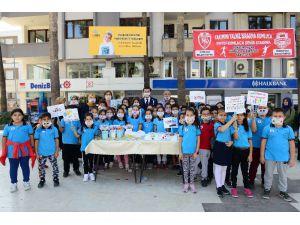 Lösemili Çocuklara destek olmak için maske taktılar