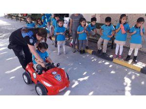 Miniklere uygulamalı trafik eğitimi