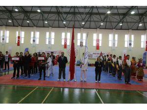 Gençler Tekvando Şampiyonası Başladı