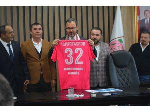 Isparta 32 Spor Kulübü Bakan Kasapoğlu'ndan Destek İstedi