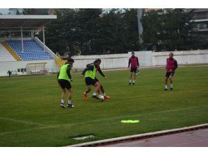 Isparta 32 Spor'da Sağanak Yağış Altında Kepez Maçı Provası