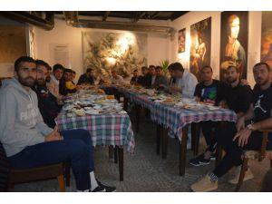 Isparta 32 Sporlu Futbolculara Moral Kahvaltısı
