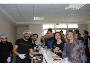 Hemşirelik Fakültesi'nde öğrenciler ve mezunlar buluştu