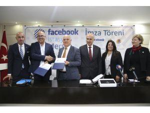 Mersin'de Facebook İstasyonu İçin İmzalar Atıldı