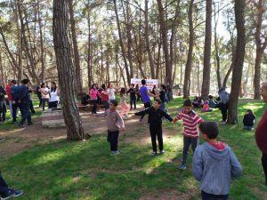 Ara tatilde eğitimciler sağlıklı yaşam için yürüdü
