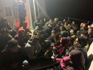 Mersin'de Bir Teknede 52 Kaçak Göçmen Yakalandı