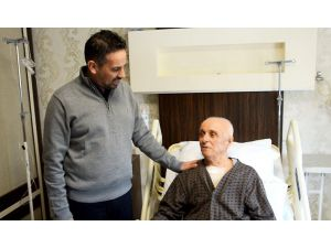 81 Yaşında Ameliyatla Hayata Tutundu