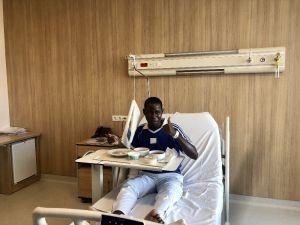 Yemek Borusu Kapandığı İçin Beslenemeyen Nijeryalı Hasta Türkiye'de Sağlığına Kavuştu
