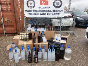 Otomobilin Bagajında Sahte Alkol Ele Geçirildi