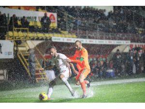 Süper Lig: Alanyaspor: 0 - Antalyaspor: 0 (Maç Sonucu)