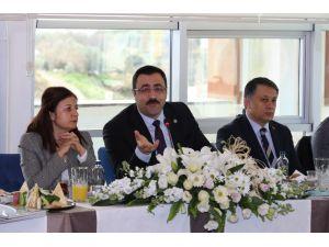"""Rektör Prof.Dr.Kalan: """" Güçlü basın güçlü demokrasinin tesisini sağlar"""""""