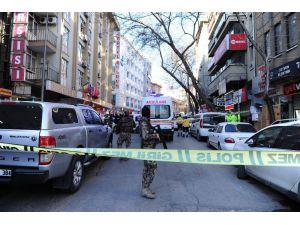 Başkent'te Korku Dolu Anlar Yaşatan Şahıs İkna Edilerek Gözaltına Alındı