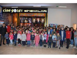 Isparta'daki Gençler 'Beyaz Hüzün' Filmini İzledi