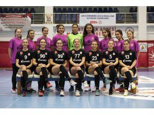 Muratpaşa Kadın Hentbol Genç Takımı İlk Maçında Galip
