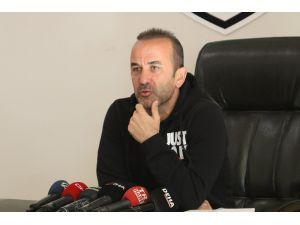 """Mehmet Özdilek: """"Tranzonspor Maçına Genç Oyuncular İle Çıkıp Bu Maçı Tolere Etmek İstiyoruz"""""""
