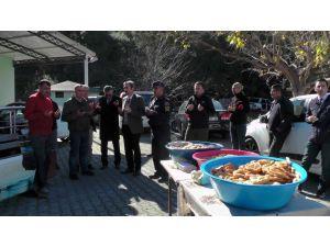 1 yıldır kayıp olan Buse için gözü yaşlı anma töreni