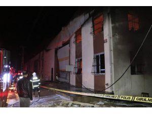 Adana'da Deri Fabrikasında Yangın: 1 Ölü