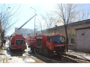 Boya İmalathanesinde Çıkan Yangın Kontrol Altına Alındı