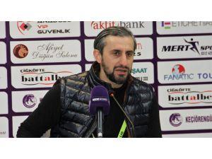 """Serkan Özbalta: """"Gol Yemeden Temiz Bir Galibiyet Aldık"""""""